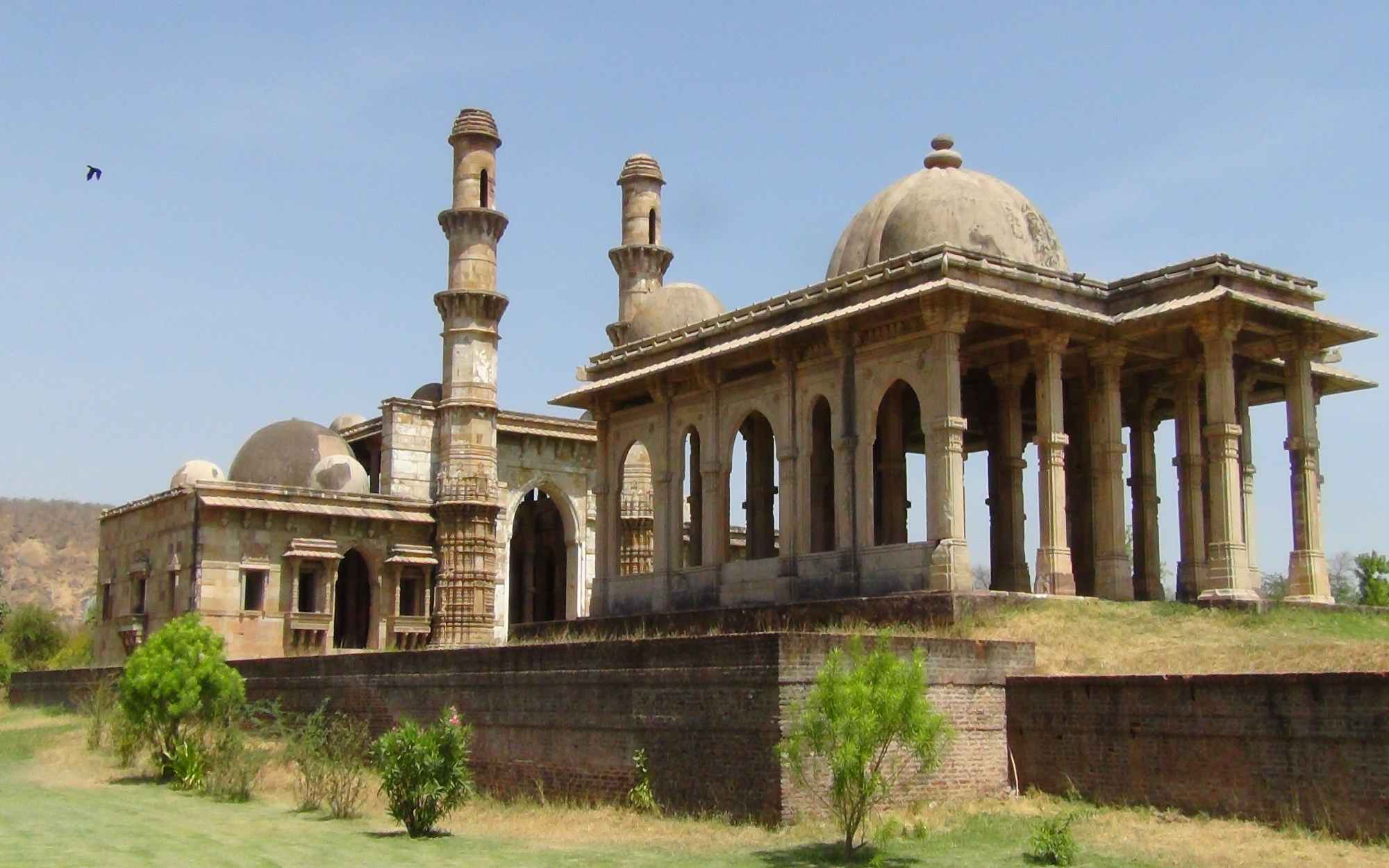 Kevada Masjid with Cenotaph 1