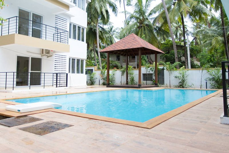 3 BHK Simply Offbeat Apartment with pool near Baga